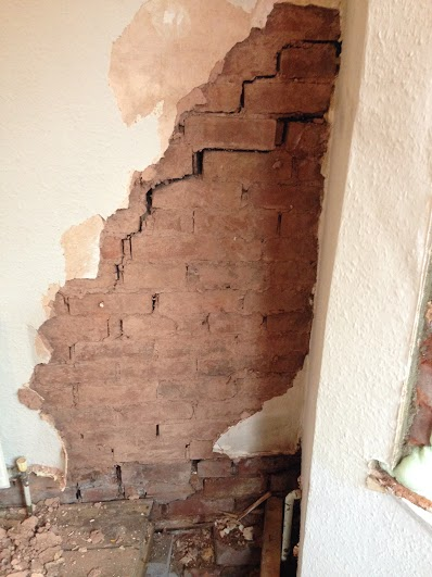 Cracked wall - Subsidence and Bowing Wall Repair, Crediton, Devon